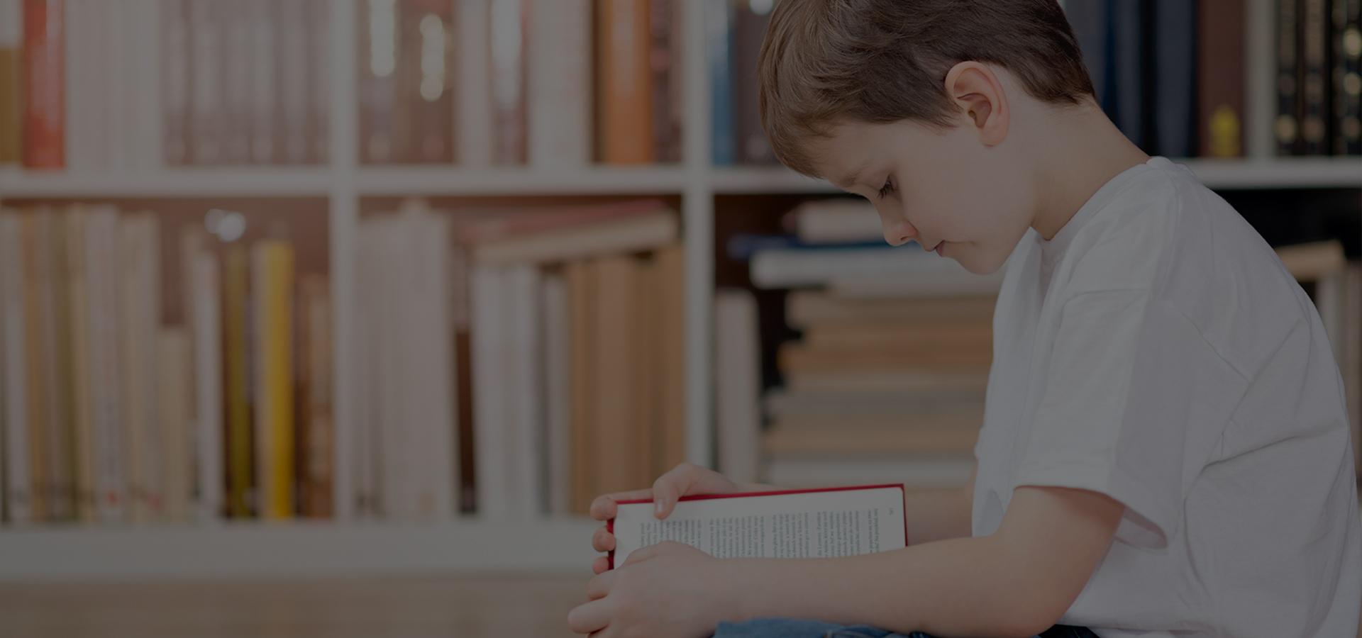 Çocuklar kitap hakkında konuşmalara dahil edildikçe çocuklar daha fazla kelime öğrenirler...
